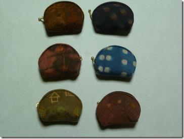 草木染のミニ財布(藍染、茜、メリケンカルカヤ、キバナコスモス、蘇芳など)