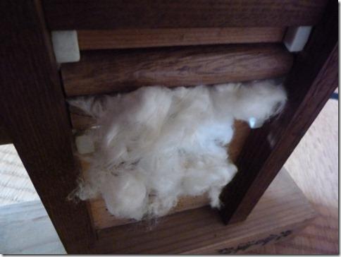 棉繰機(わたくりき)綿は向こうに種はこちらに