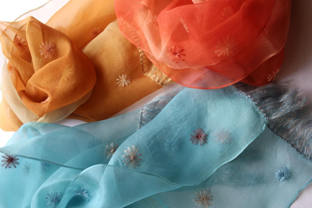 刺繍シルクオーガンジーマフラー
