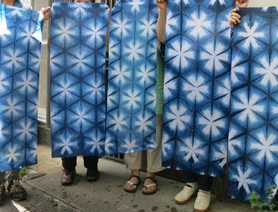 藍染で雪花絞り。2015年のauのCM浦島太郎の衣装の柄