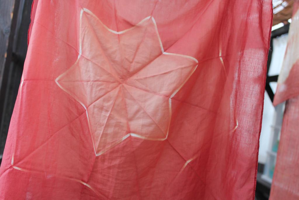 折り紙絞りハンカチ1