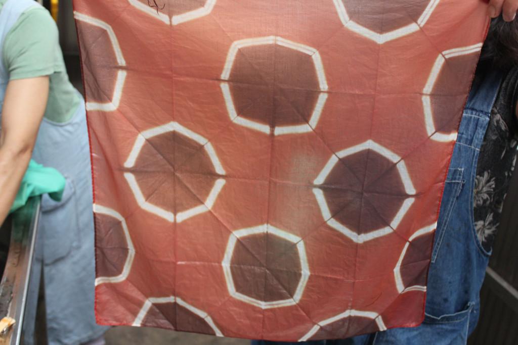 折り紙絞りハンカチ2