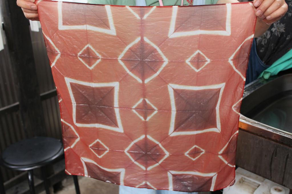 折り紙絞りハンカチ3