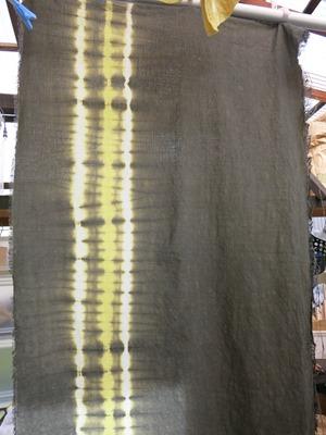 ナンキンハゼで草木染した布