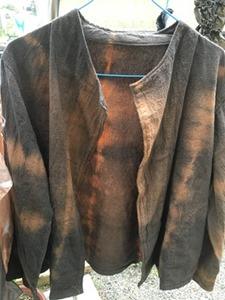 タンガラで草木染したジャケット