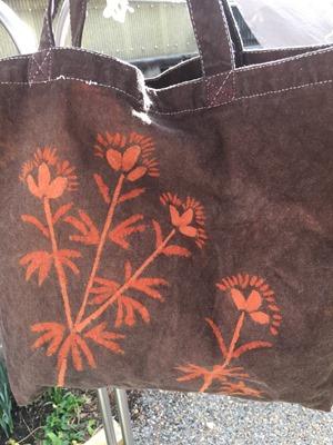 草木染に着抜技法したバッグ