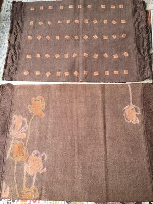 草木染に着抜技法した綿のランチョンマット
