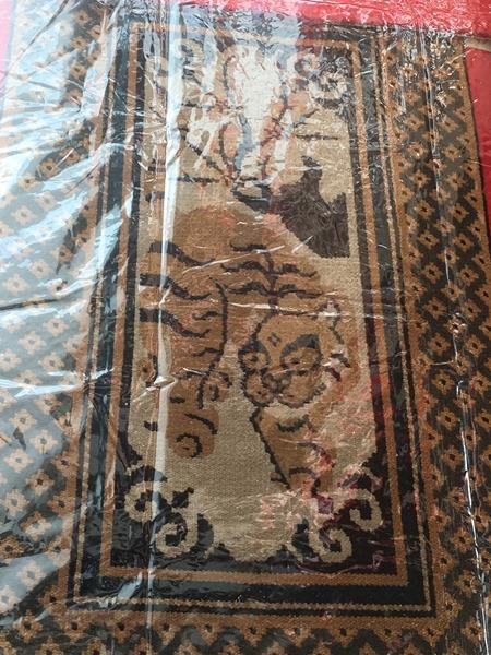 祇園祭・函谷鉾の懸装品はインド、中国近辺の絨毯。トラ