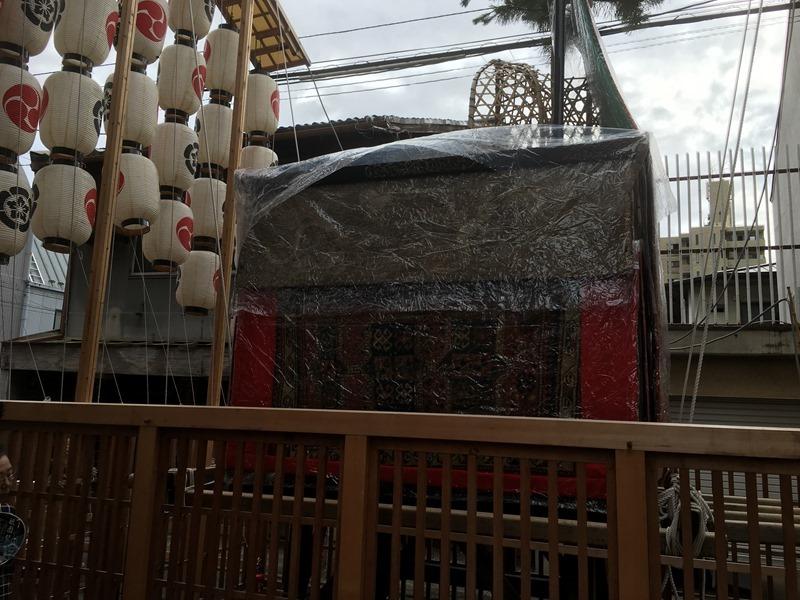 祇園祭・油天神山の懸装品は古い西アジア、カザフ族の絨毯