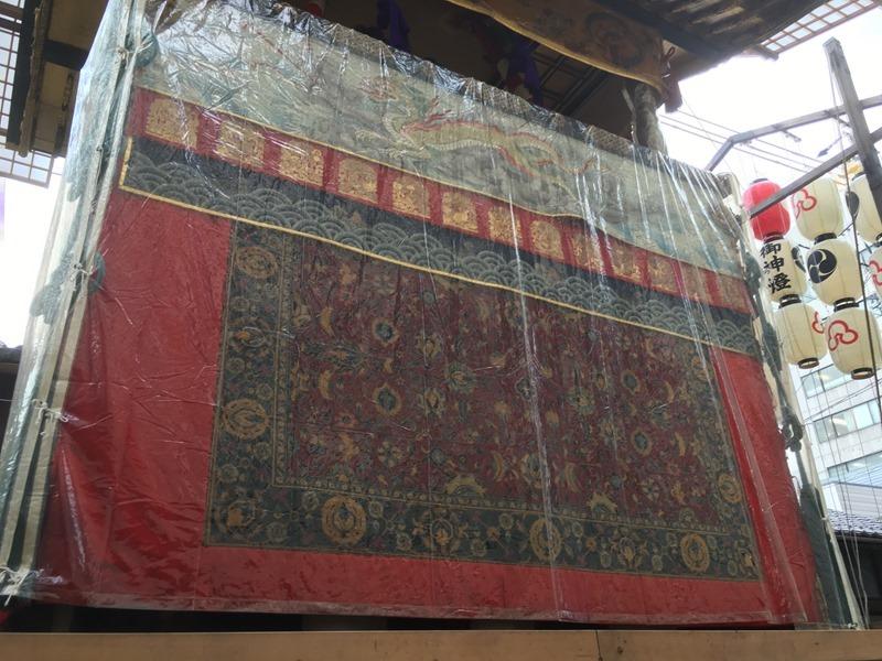 祇園祭・放下鉾の懸装品はインドやペルシャの絨毯