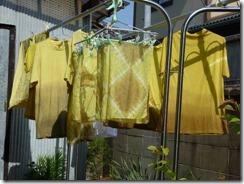 草木染教室ヨモギで染めたTシャツやハンカチ