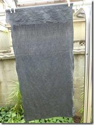 ログウッドで草木染した麻の布(鉄媒染)