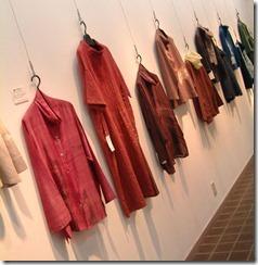 2009年 「野と遊ぶ衣展」@神戸トアギャラリーの展示の様子