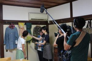 NHKテレビ「京いちにち」の「京のええとこ連れてって」の取材を受けたののはな草木染アカデミー